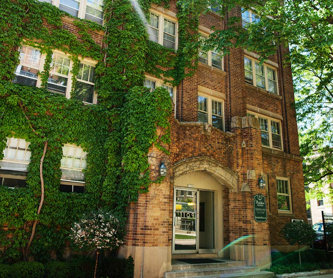 Find your perfect Milwaukee apartment here - Shoreline ...