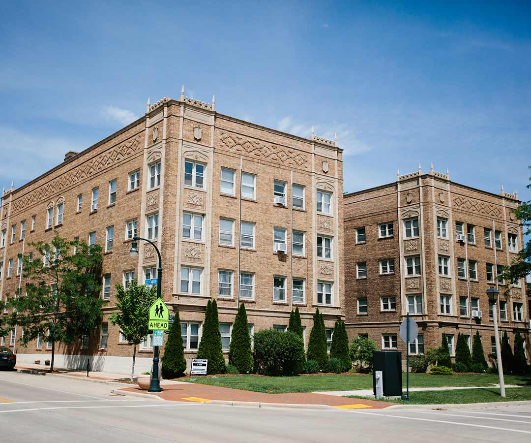 Shorewood Apartments: Find Your Perfect Milwaukee Apartment Here